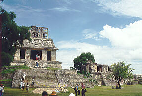 palenque archaeological zone / Photo by Victor H. Mireles